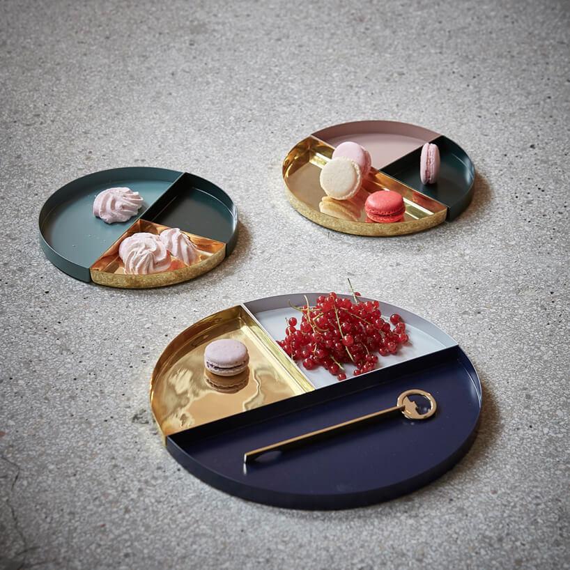 rózno kolorowe tacki na ciastka iklucze