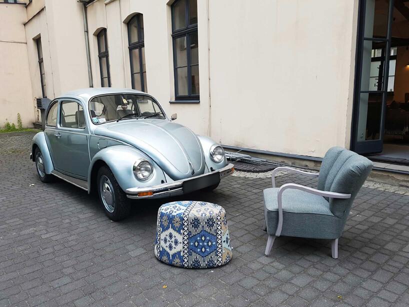 garbaty fotel obok VW Garbusa
