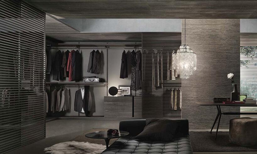 przestronna garderoba wszarych odcieniach