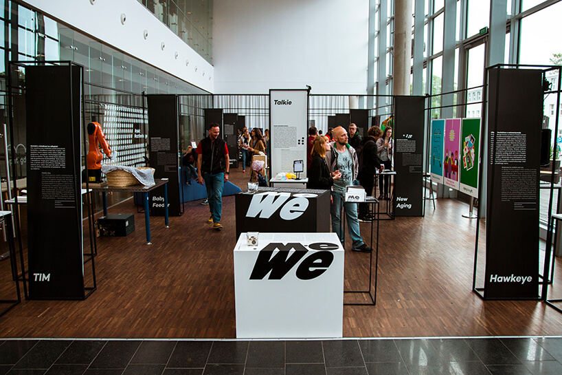 odwiedzający wystawę główną Gdynia Design Days 2019