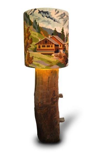 drewniana lampka zdomkiem