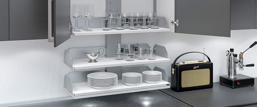 opuszczane wnętrze szafki kuchennej