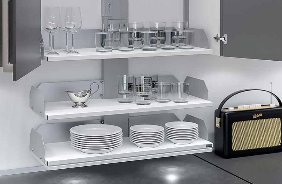 opuszczane szare wnętrze szafki kuchennej