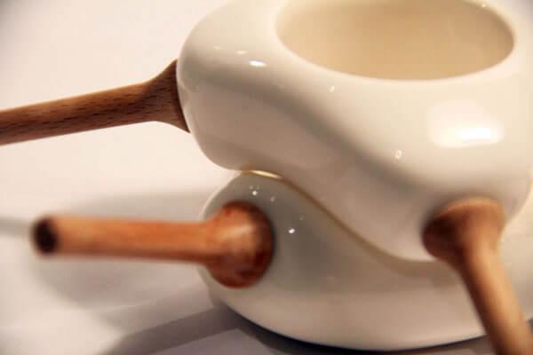 biała kiełkownica do awokado