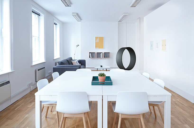 drewniana huśtawka SWING jasne biuro