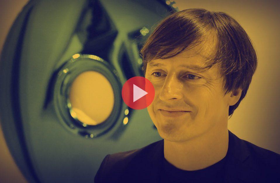 Oskar Zięta podczas wywiadu dla MAGAZIF na Warsaw Home 2018