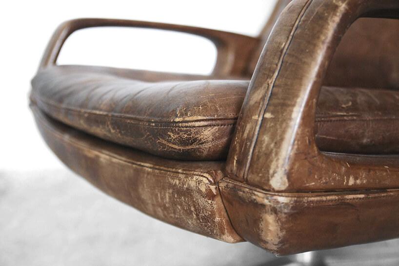 stary skórzany fotel biurowy
