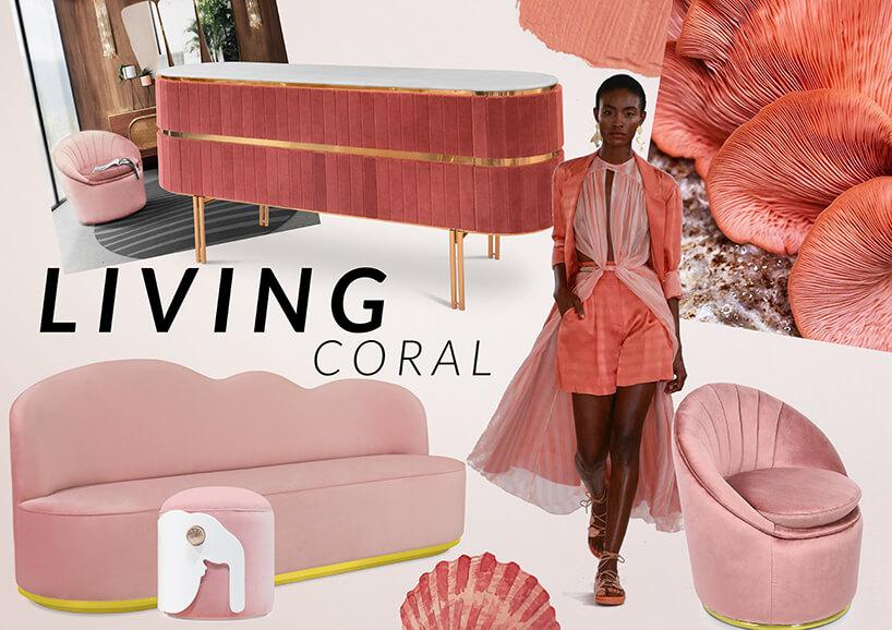 kobieta wróżowym stroju pośród mebli wkolorze koralowym znapisem Living Coral