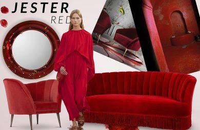 kobieta w czerwonym kostium pośród rożnych czerwonych mebli