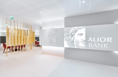 wnętrze nowego oddziału alior bank w ekologicznym stylu