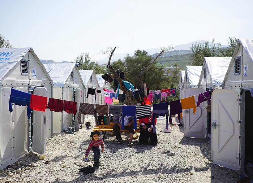 kontenery od Ikei dla uchodźców