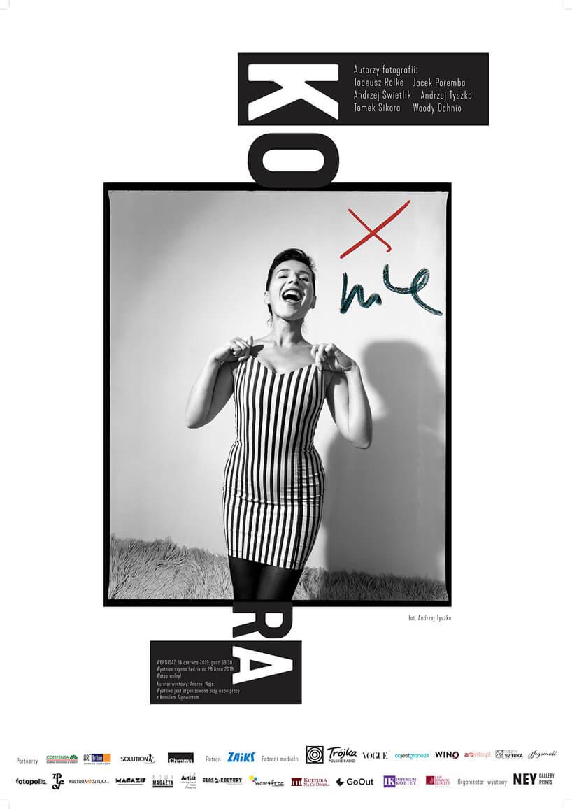 plakat wystawy zdjęć Kory Jackowskiej czarno-białe zdjęcie artystki
