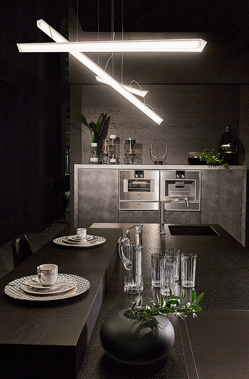 ciemna kuchnia Q12 Uniquw firmy Rust