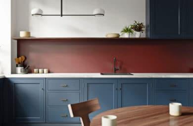 Kuchnia w drewnie i kolorze. Tak możesz ją urządzić!