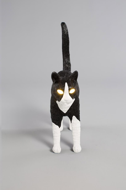 lampa wkształcie biało-czarnego kota