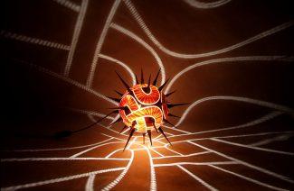 świecąca lampa z tykwy z kolcami