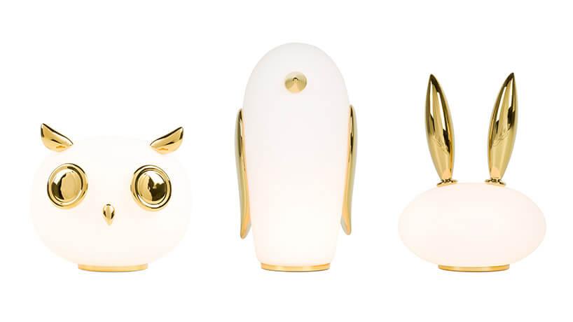Białe Lampy stołowe wkształcie zwierząt ze złotymi akcentami od MOOOI