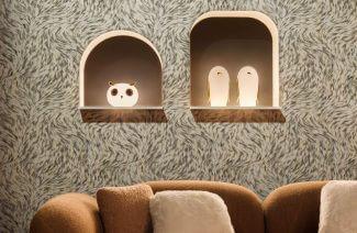 białe lampy stołowe w kształcie zwierząt ze złotymi akcentami od MOOOI w aranżacji wnętrza