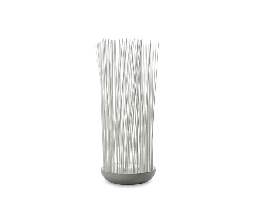 biała lampa wkształcie wazonu