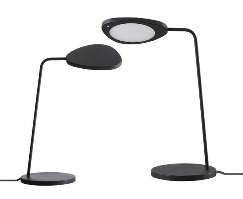 dwie czarne lampy stołowe
