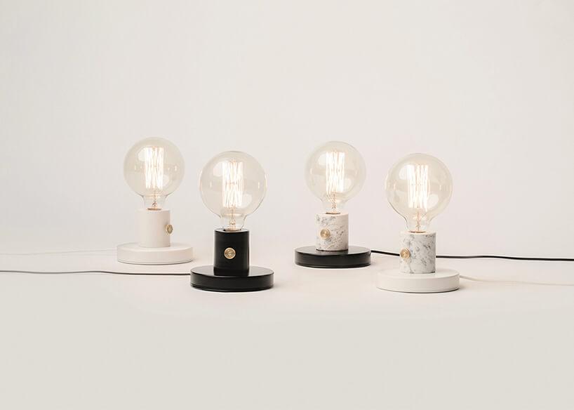 cztery lampy stojące