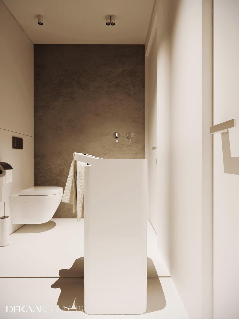 duże białe pudło woświetlonej łazience