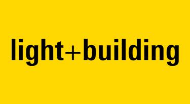 czarny logotyp czarny plakat targów Light + Building na żółtym tle