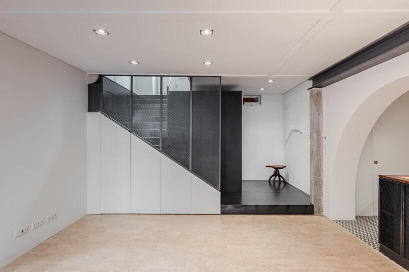 loft projektu KEMA studio białe