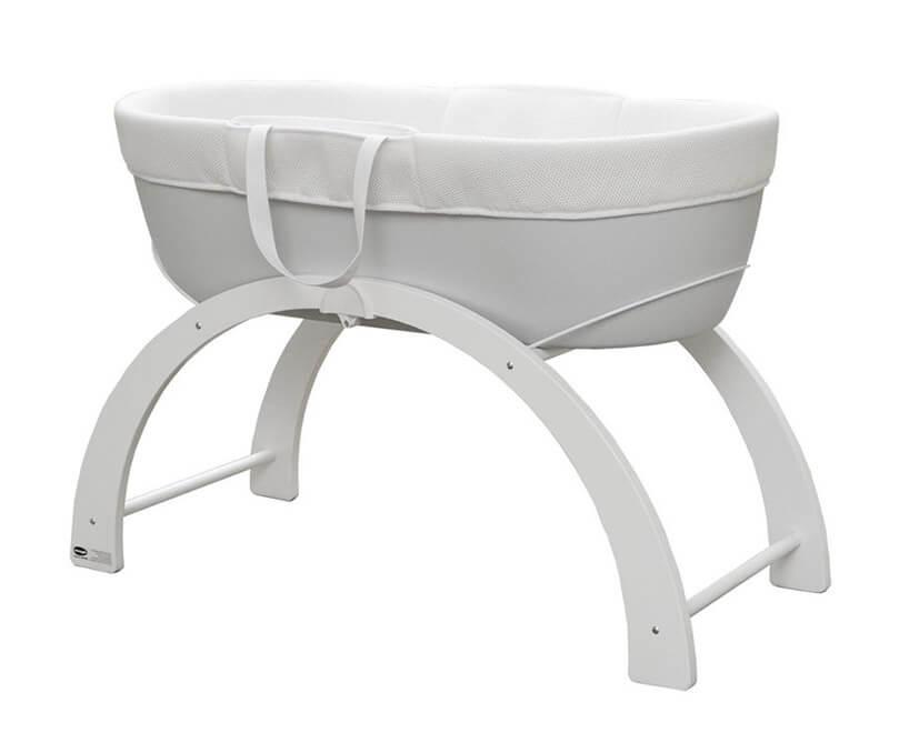 białe łóżeczko dla niemowlaka kosza Mojżesza