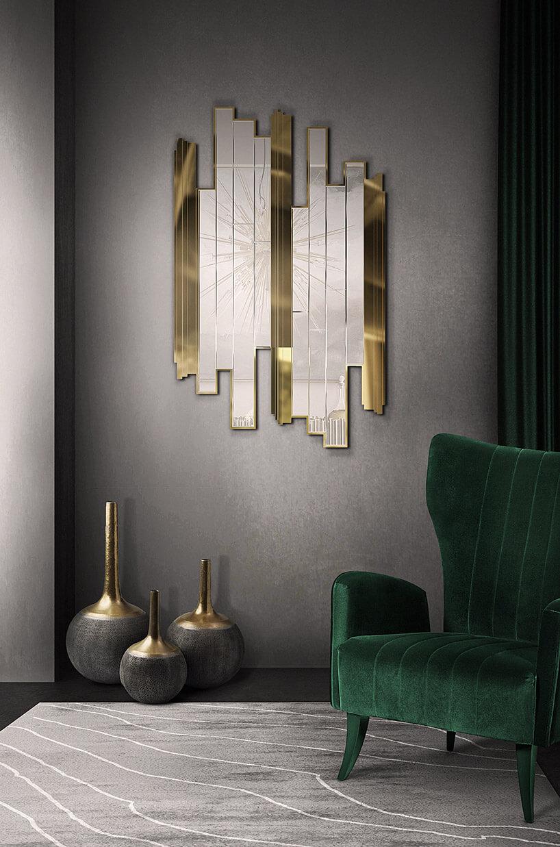 lustro zpodłużnych tafli szkła imetalu na szarej ścianie