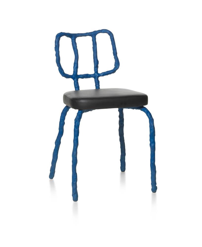 niebieski gliniany stołek