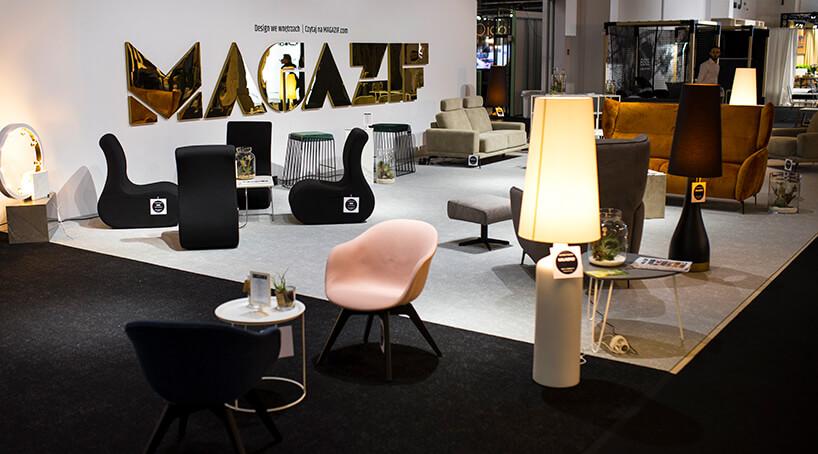 stoisko MAGAZIF na Warsaw Home 2019 rożne eleganckie siedziska stoliki lampy