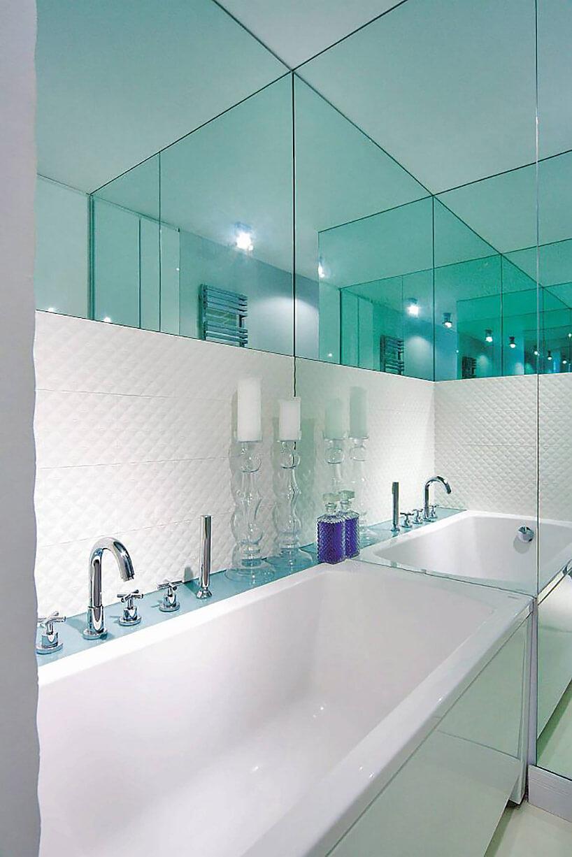 zamiast płytek lustro wmałej łazience