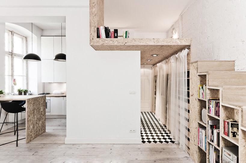 drewnaine elementy wmałym mieszkaniu