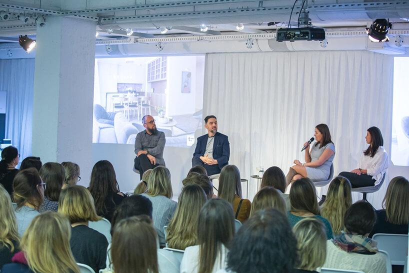 biała scena podczas panelu na OKK! design
