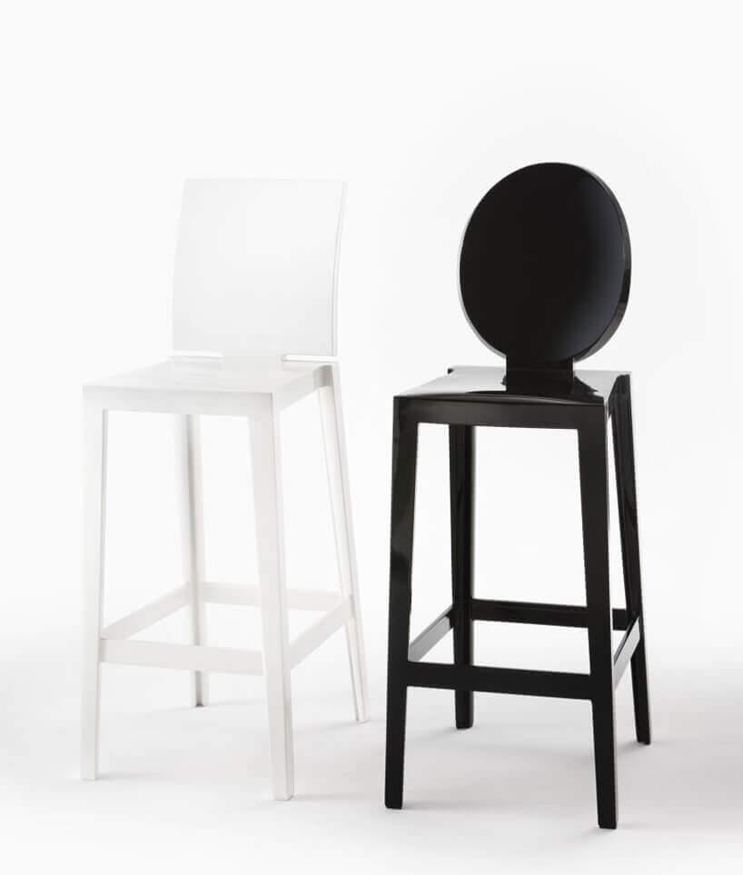 czarny ibiały plastikowy Hoker One More iOne More Pleaseod Kartell projektu Philippe Starck