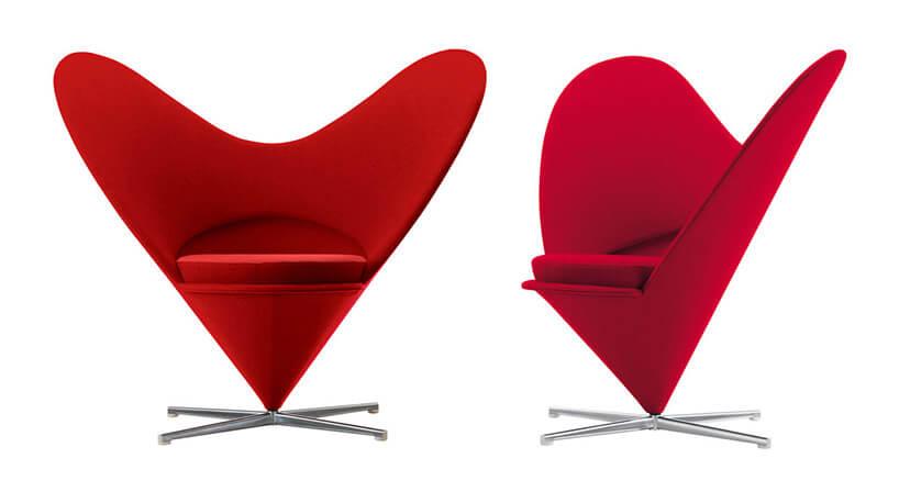 czerwony fotel wkształcie serca