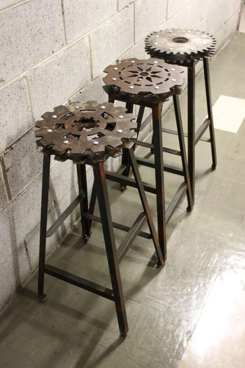 stołki barowe zmetalowych elementów