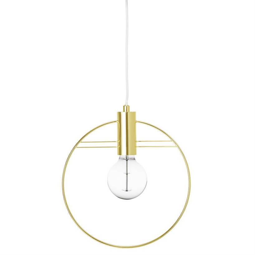 prosta złota lampa zmetalowym pierścieniem