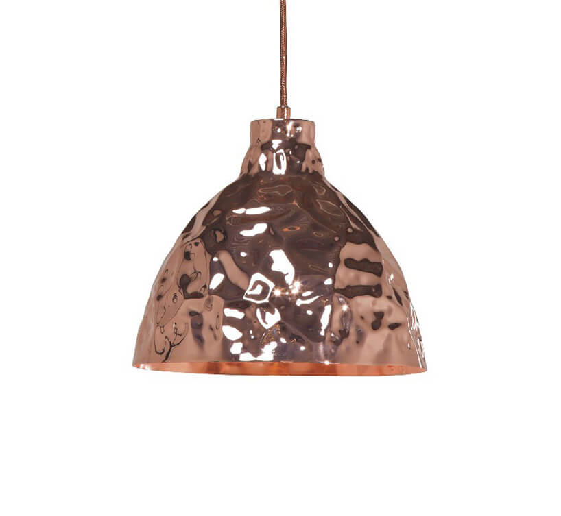 wisząca metalowa miedziana powgniatana lampa wmiedzianym kolorze