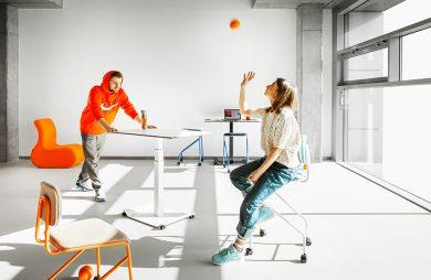 VANK_CO kolorowe hoker na kółkach przy mobilnych stolikach