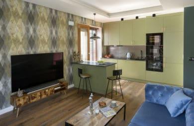 eleganckie mieszkanie Andrzeja Piasecznego projektu Miśkiewicz Design w stylu retro