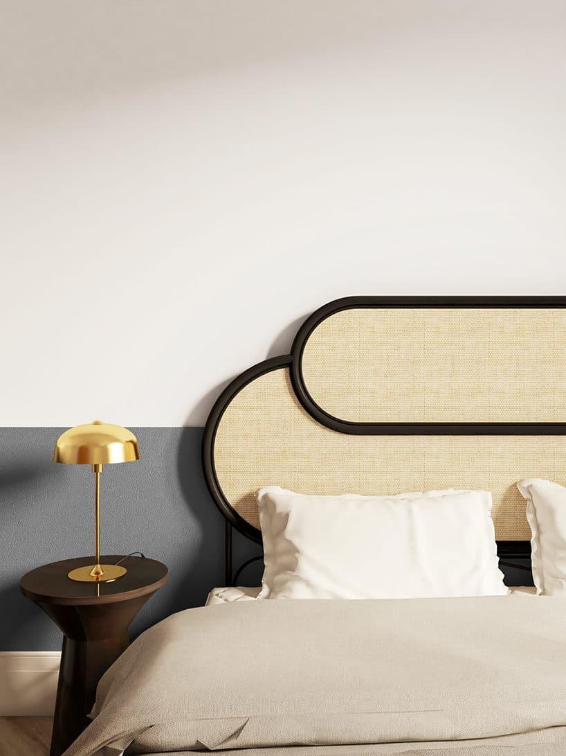 jasny zagłówek wdużym łóżku wciemnej ramce