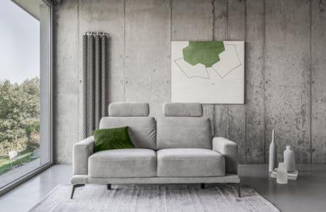 elegancka minimalistyczna szafa sofa Merano od Gala Collezione w surowym szarym wnętrzu