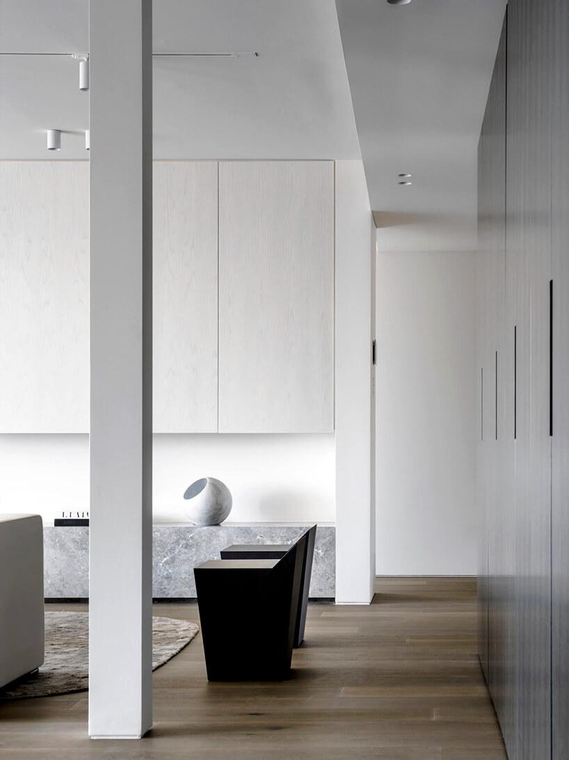 styl minimalistyczny wnętrze salonu wszarościach ibieli
