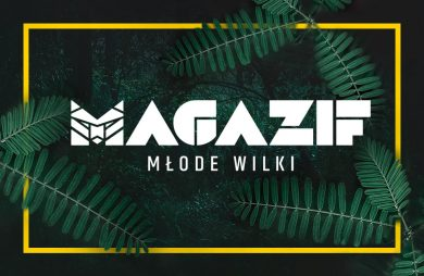 logo MAGAZI Młode Wilki w żółtej ramce na tle dużych zielonych liści