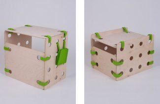 dwa elementy modułowego zestawu dla dzieci ze sklejki i zielonych pasków