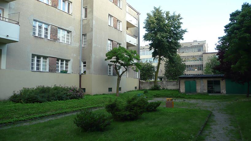 podwórko przy bloku