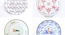 cztery płaskie talerze zróżnymi wzorami