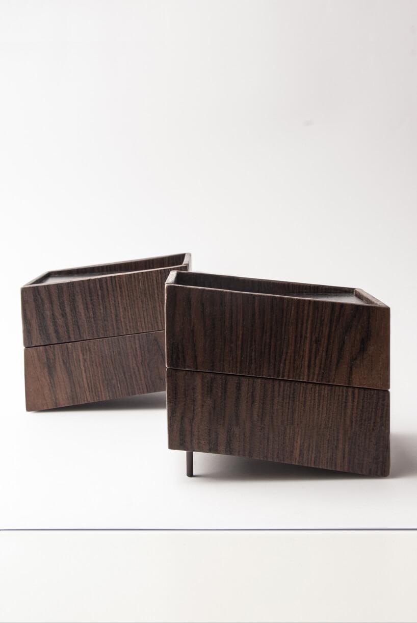 dwie brązowe szafki jedna za drugą zkolekcji Tilt Natalii Wieteski